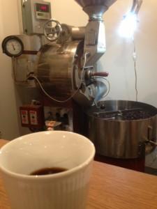 焙煎機と珈琲